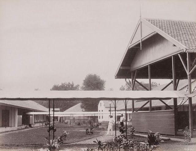 Tanah belakang Sekolah Dokter Djawa (Sekolah Kedokteran) Hospitaalweg di Batavia - Tahun 1902 (Bimbim Blues DDS: April 2011)