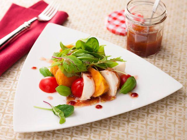 柿とトマト、モッツァレラのバジルサラダ ラズベリードレッシング | S&B エスビー食品株式会社