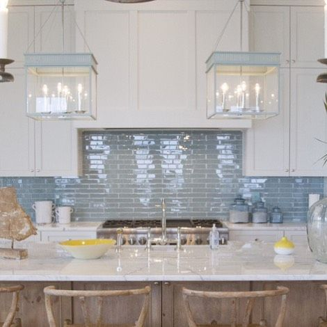 This coastal kitchen is from a Florida Beach house from @meredithmcbrearty Design