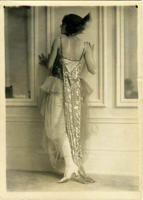 Why did women of the 20's always seem to be photographed hugging walls? 1920's photo by Charles Gates Sheldon.