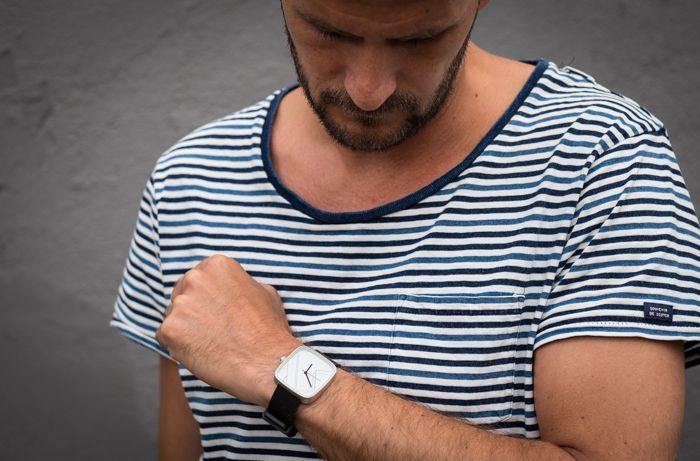 Elegant, minimalistisk ur fra May28th - læs meget mere på http://ganskemoderne.dk/elegant-ur-fra-may28th/