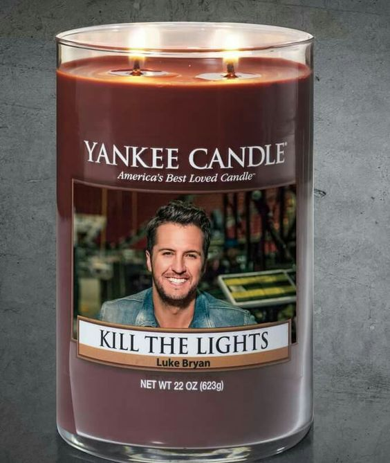 Who doesn't appreciate Luke Bryan and a good pun?