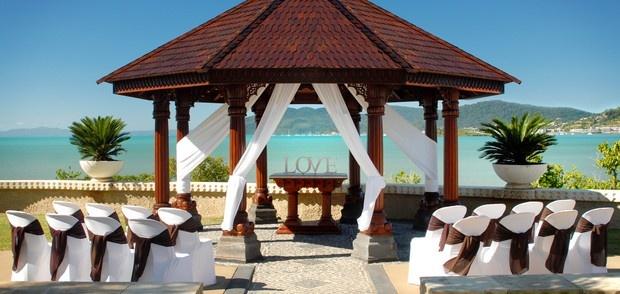 Villa Botanica... Airlie Beach, Australia - the perfect wedding destination just around the corner.