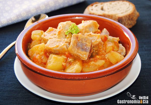 Marmitako  http://www.gastronomiaycia.com/2012/10/23/receta-de-marmitako/?utm_source=feedburner_medium=email_campaign=Feed%3A+GastronomiayCia+%28Gastronom%C3%ADa+y+C%C3%ADa.%29
