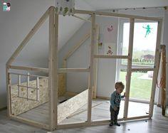 Trend DIY Ein Hausbett im Kinderzimmer chellisrainbowroom