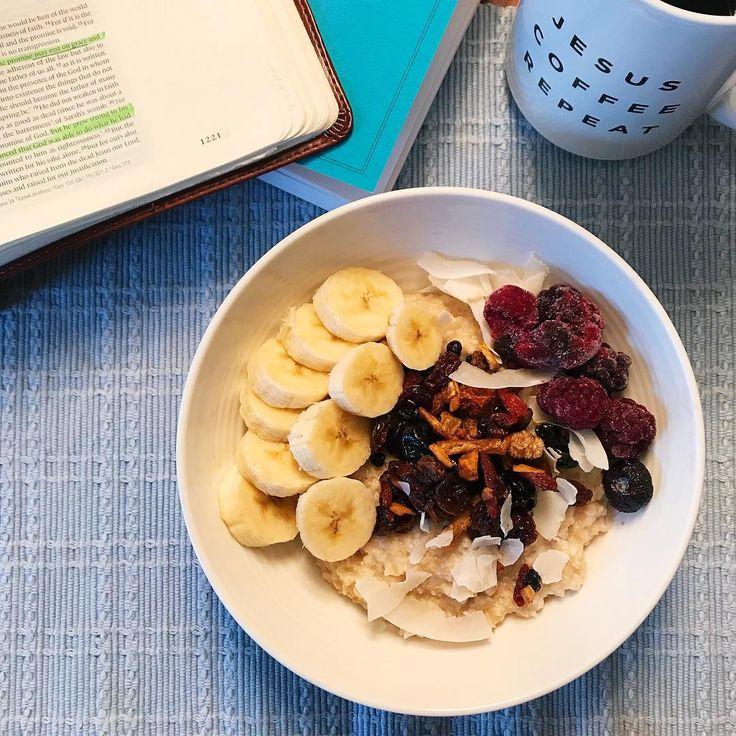 """20 Likes, 2 Comments - L.S. (@feedlaleanne) on Instagram: """"Powering up for the day #feedlaleanne #breakfast . . . #energybowl #oatmeal #madeinnature…"""""""