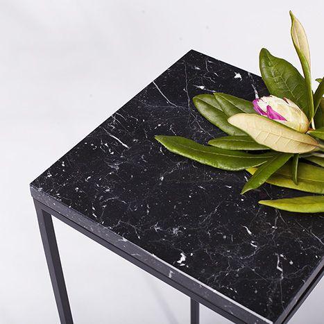 www.ucommon.com.pl | black marble pillar