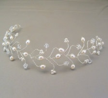 Bridal Hair Accessories: Bobby Pins, Flowers, Headbands - Page 4 - Etsy
