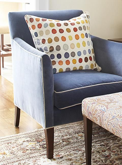 Sarah richardson design natalie living room sarah for Polka dot living room ideas
