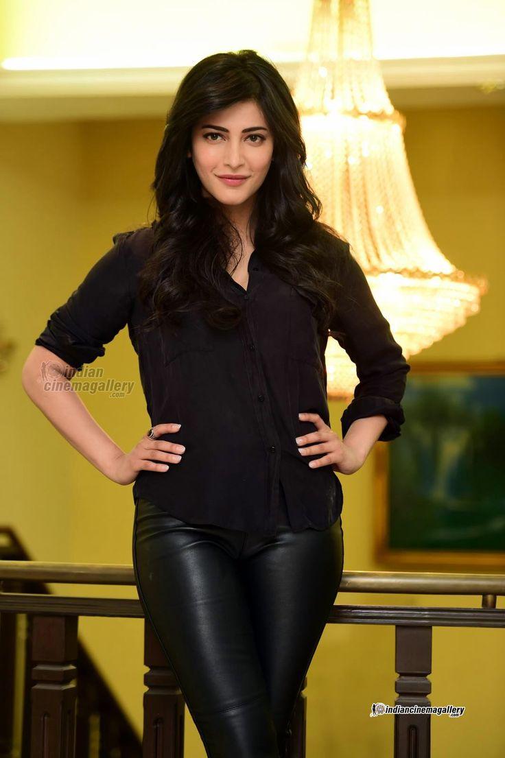 http://www.indiancinemagallery.com/gallery/shruti-hassan/Shruti-Haasan-stills-during-her-interview-(14)8349.jpg