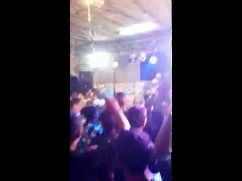[RAW]: ISRAELI SOLDIERS DANCE AT PALESTINIAN WEDDING GANGNAM STYLE!!! Un Mundo Posible