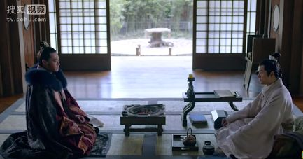 The sitting area in an open plan traditional Chinese residence (from Nirvana in Fire) https://plus.google.com/+Simplifyyourlifepluschina/posts/ZcBXdQDjFuC