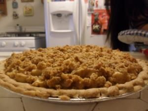Apple-Pear Crumble Pie Made without the cream cheese. We'll see how this comes out.