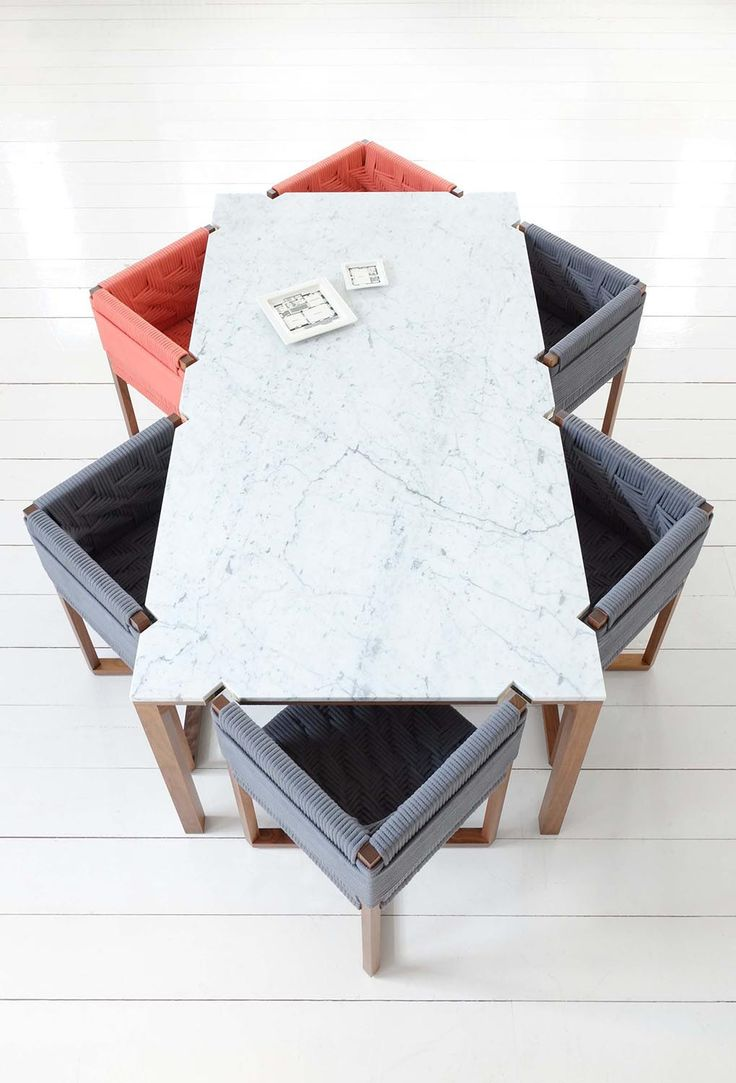 Efasma marble dining table
