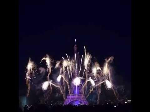 Фейерверк День взятия Бастилии Fireworks Bastille Day Paris