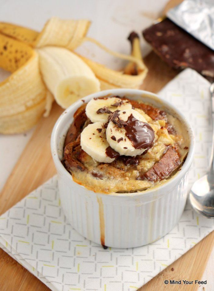 Broodpudding met banaan en chocolade - Mind Your Feed - verwenontbijtje met oud (glutenvrij)brood