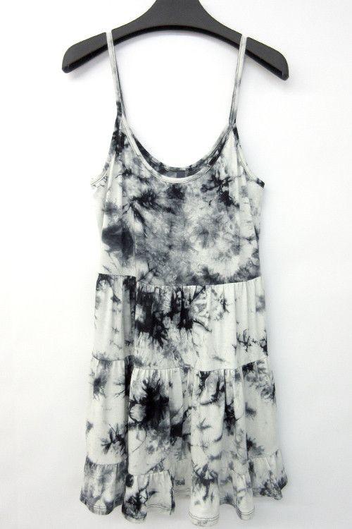 Can i dye a white dress shirt black