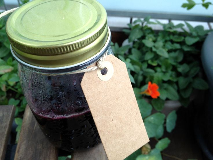Blueberry jam with cognac and vanilla // Blåbærsyltetøj med cognac og vanilje