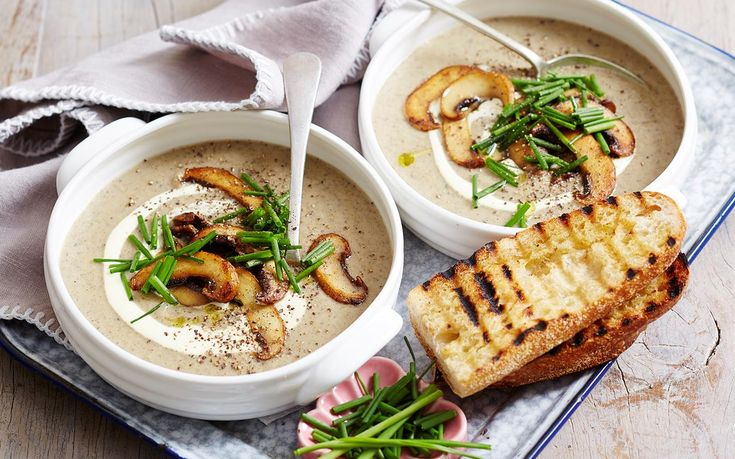 This mushroom and leek soup recipe from Woman's Day is great served with cream, chives & bread for a healthy and filling vegetarian family dinner.