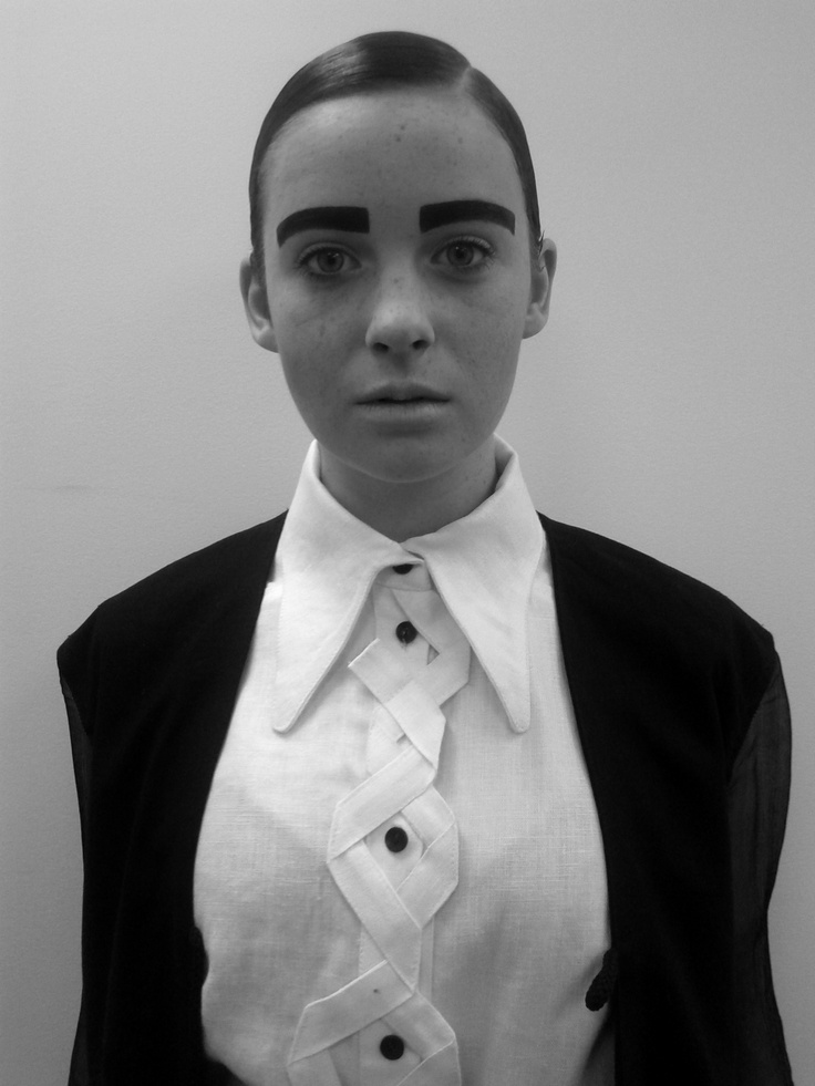 John Kwon 1st outfit, androgynous makeup