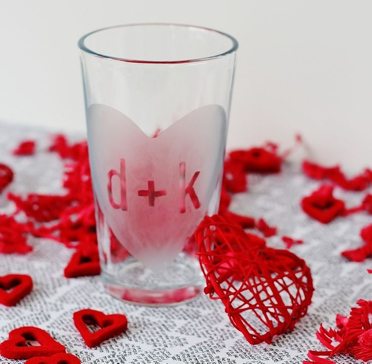 DIY Frosted Valentine's Day Beer Pint Glass