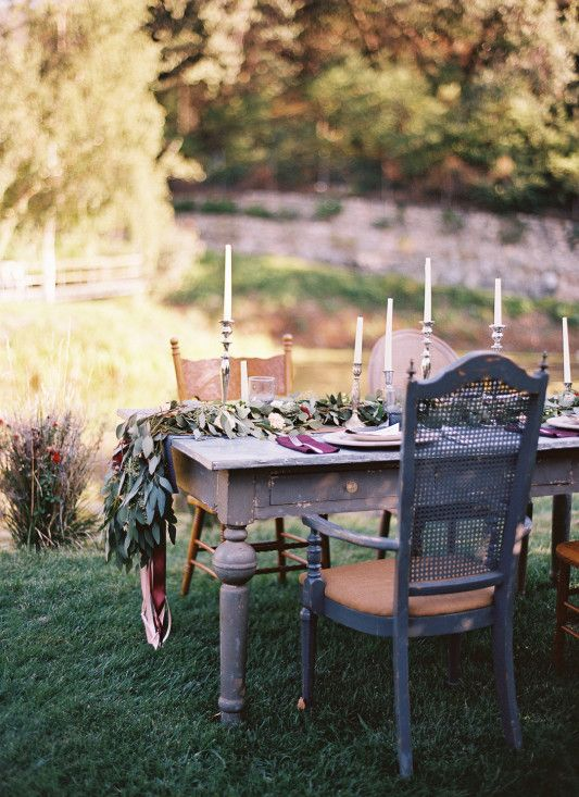 How gorgeous is this table and the overall setting?