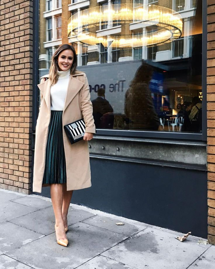 White turtleneck sweater, green pleated midi skirt & camel coat @designdschungel