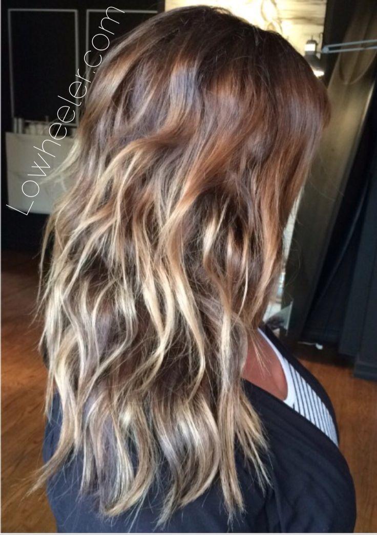 Beachy Balayage ombré colormelt by Lo Wheeler. Lowheeler.com Instagram @lowheeler_hairtherapy