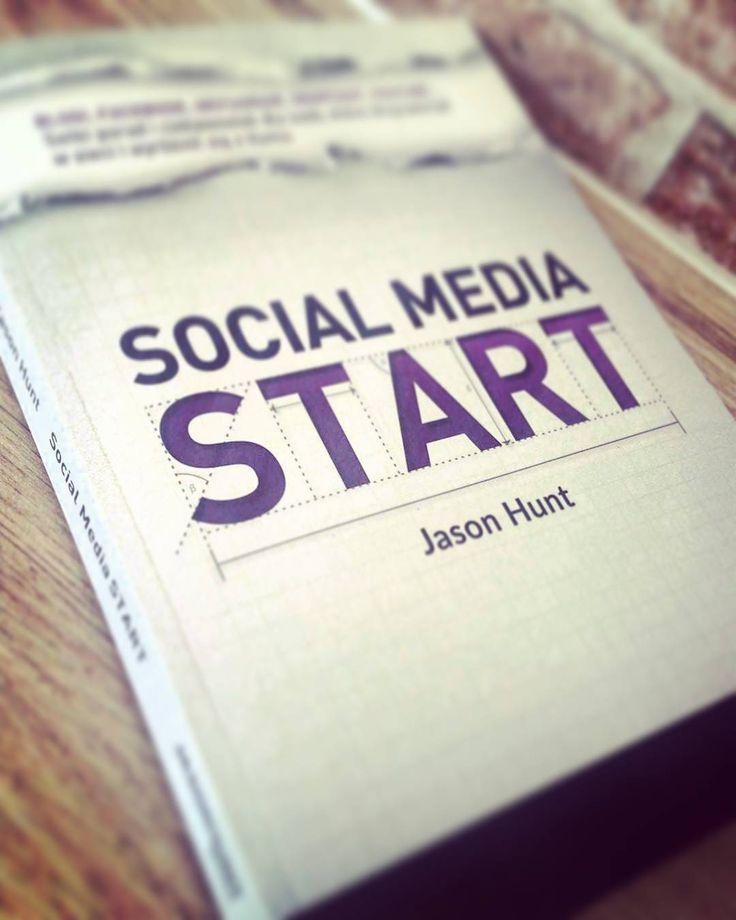 Kończąc ubiegło tygodniowy temat polecamy Wam genialną książkę na niedzielne popołudnie  #akademiaprofesjonalizmu #bussines #socialmedia #blog #blogger #company #lifestyle #courses #education #book #library #sunday
