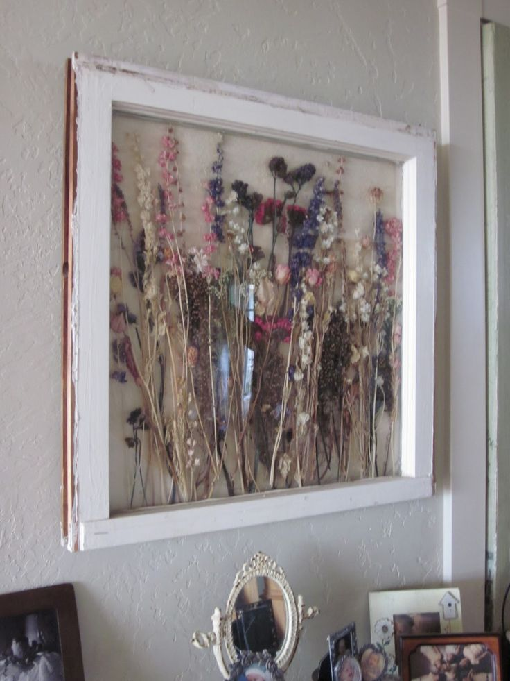 http://shabbyfarmer.blogspot.com/ Dried flowers in vintage window