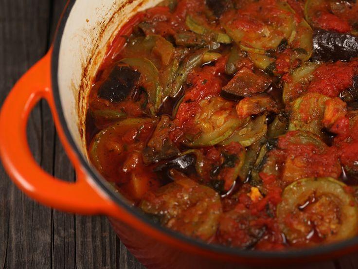 Tocanita din piept de pui cu legume