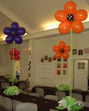 flower balloon centerpieces
