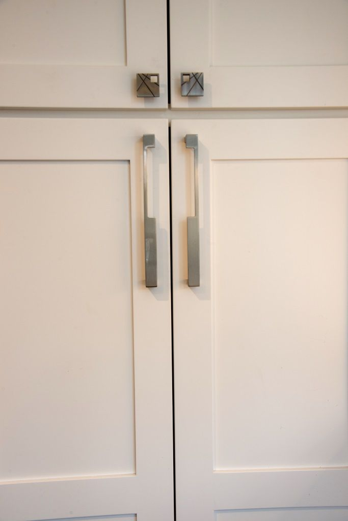 We have quality kitchen cabinet hardware in