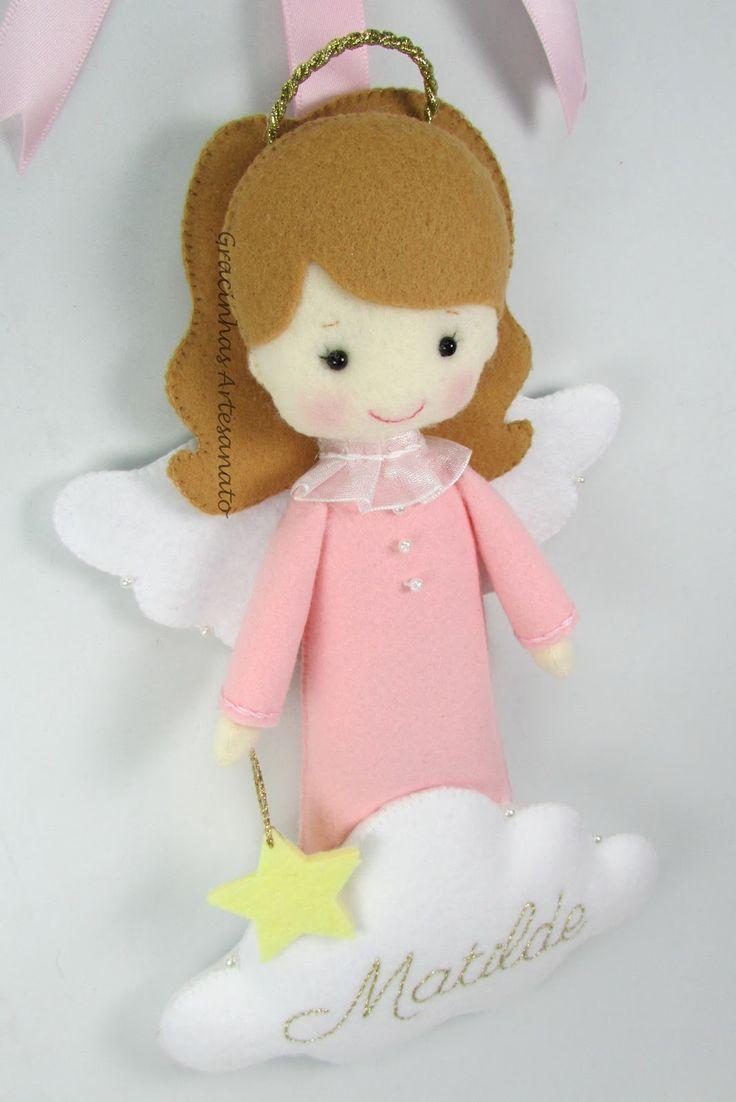 Olá, boa noite!  Sejam bem vindos ao meu cantinho!   O tema de hoje são os anjinhos para colocar à cabeceira do berço do bebé (menino ou men...