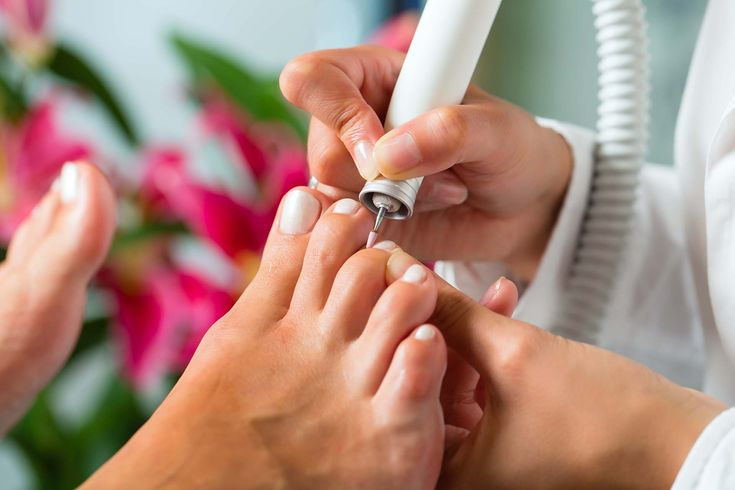 A Medical Pedicure is an aesthetic and therapeutic foot care treatment, performed in a private medical clinical setting, which addresses unsightly and uncomfortable foot conditions such as:  Corns  Calluses  Ingrown/overgrown toenails  Dry cracked heels  Toenail discoloration Read More at www.medicalpedicurenyc.com