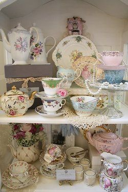 <3 just look this corner and feel having a happy family tea time<3 Shabby Chic