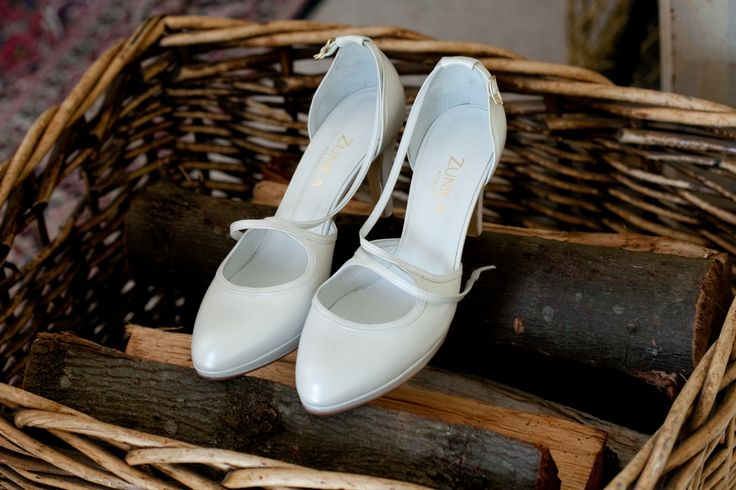 #weddingconcepts #weddingshoes #fortheloveofshoes Photography by: Monica Dart