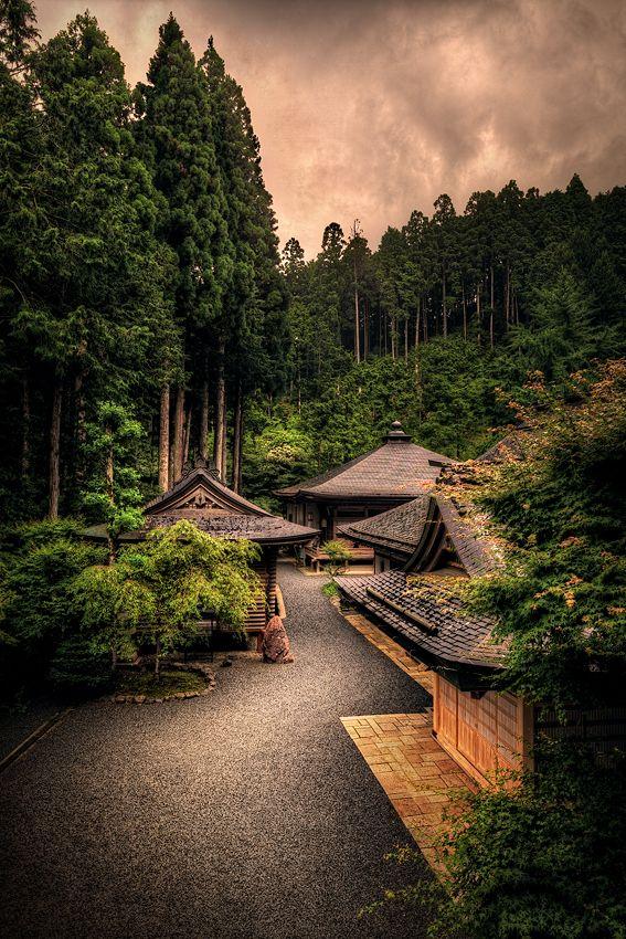 Zen Sanctuary, Japan #travel #traveltips #beautifulplacesintheworld http://travelideaz.com/