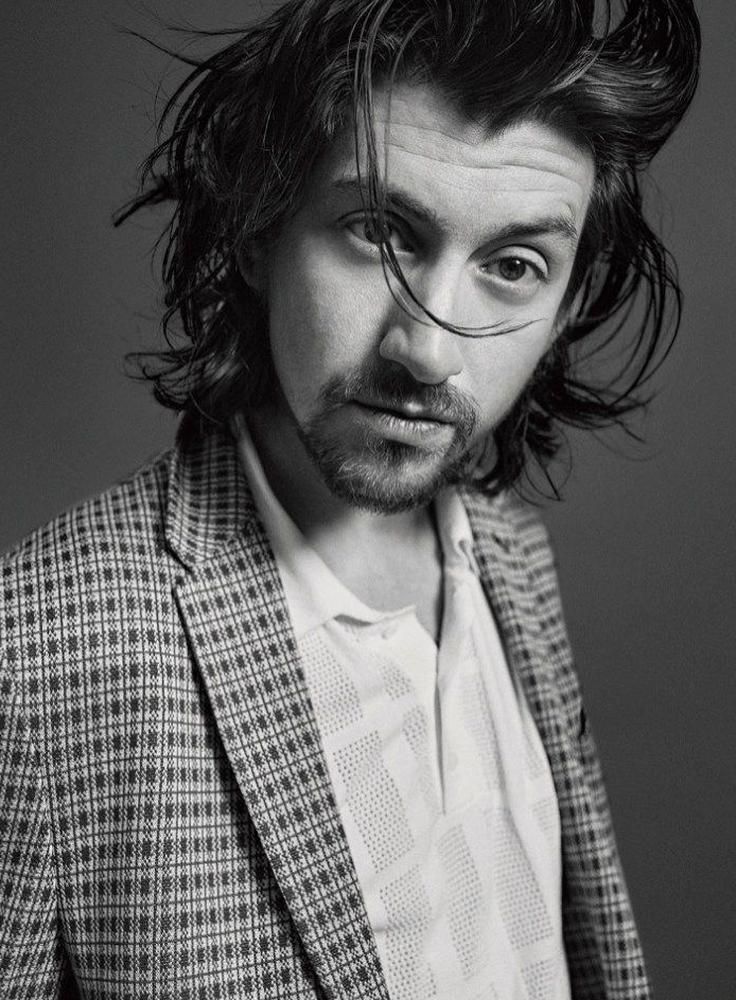 Alex Turner 2018 Icon El Pais Cover Photo Shoot 005 In 2020 Arctic Monkeys Alex Turner Alex Turner Hair