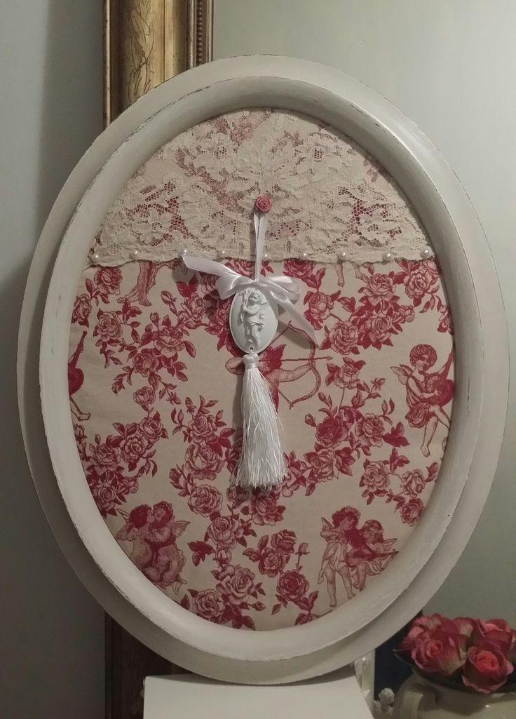 Cadre Victorien et romantique et toile de Jouy brochée