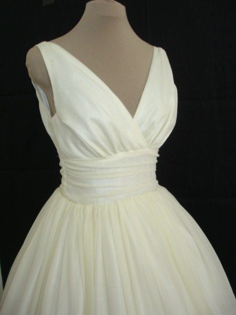 Simple and elegant 50s style dress ivory chiffon overlay for 50s inspired wedding dress