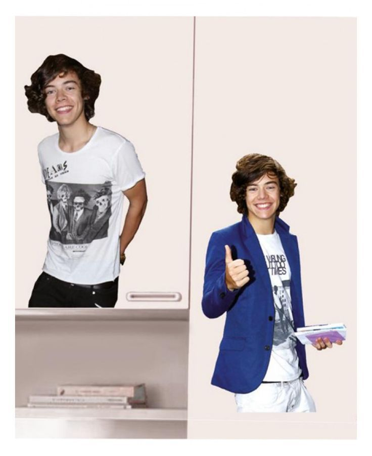 Have you heard his new single?! Whether you love him solo of you're a 1D fan, you will love these awesome Harry Styles wall stickers! Each pack contains two A3 size sheets with a large image of Harry on each, plus additional smaller stickers which can be used to accessorise the larger stickers.: