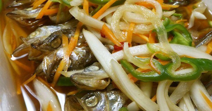✿100人れぽ話題入りレシピ✿たっぷりの野菜を南蛮酢に漬けて。やさしい味の南蛮酢に漬かったシシャモが美味しいですよ♪