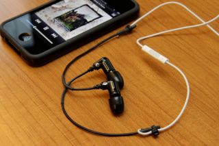 If you hate the quality of Apple's included iPhone headset but love the functionality of the remote, here's a quick hack to combine the remote with a better headset for quality sound on the cheap.