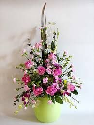 「front facing symmetrical flower arrangement」の画像検索結果