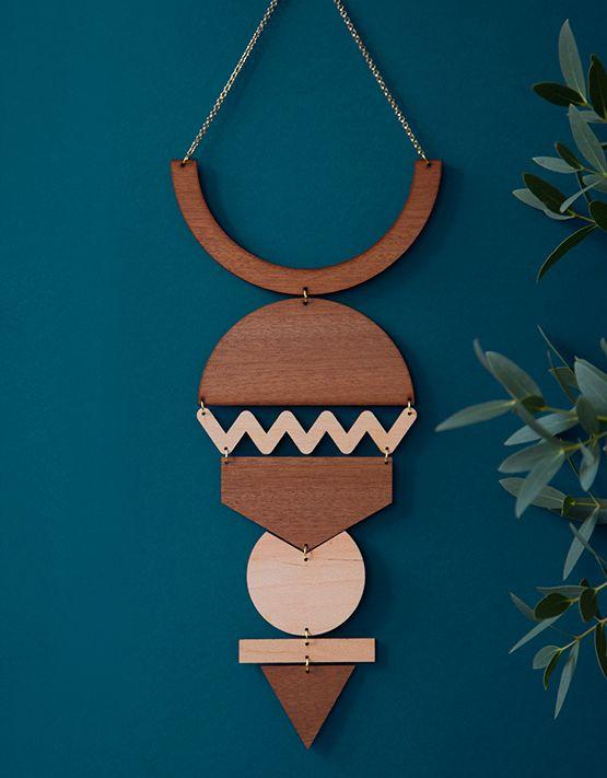 bijoux-mur-full-wood-lespetites-decoupes-mamie-boude