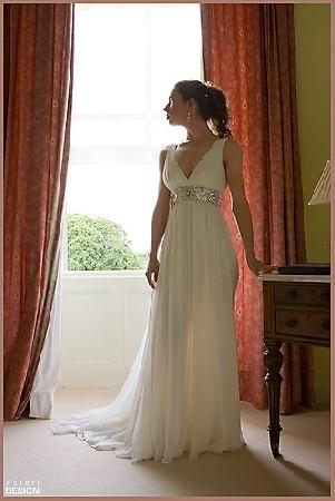 greek goddess wedding dress,this looks just like my wedding dress!! i loved it