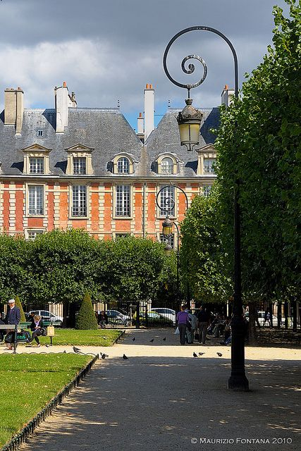 11 best images about place des vosges on pinterest. Black Bedroom Furniture Sets. Home Design Ideas