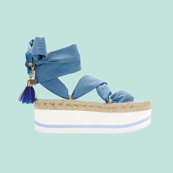 O drillas, il nuovo sandalo colorato che gioca con la gomma, la juta e la…»