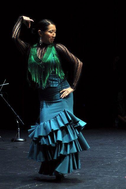 Kasandra la China dancing solea por bulerias